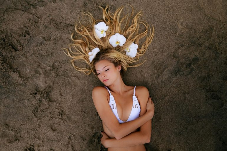Ecommerce di bikini, la strategia di Candice Galek spiegata